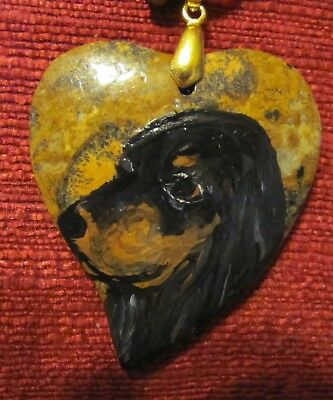 Gordon Setter handpainted on a heart shaped pendant/bead/necklace