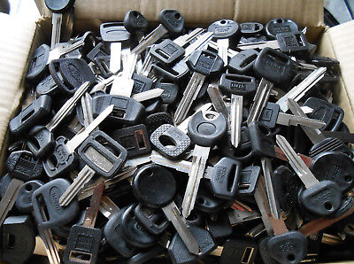 500  (15+Lbs)  Car key blanks FORD,GM,CRYSLER,TOYOTA,HONDA,MAZDA,etc...Locksmith