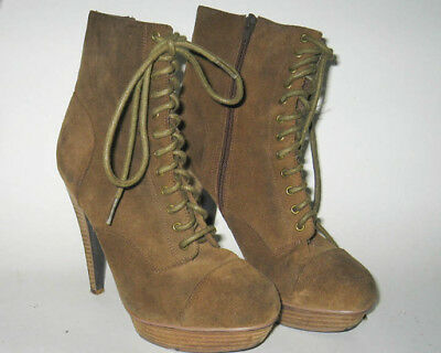 e45c12cb524 Ladies Steve Madden High Heal Leather Lace and Zip High Top Boots size 8m