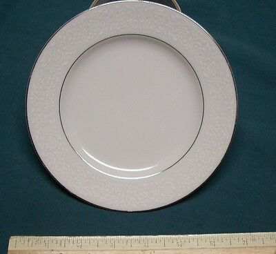 3 Carlton Fine China Plymouth Pattern 303 Bread Plates