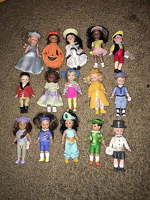 Lot of 15 4'-5' Madame Alexander dolls. VINTAGE
