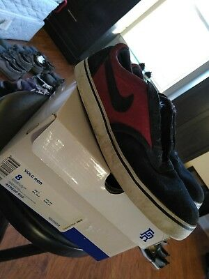 nike sb vulc rod paul Rodriguez skateboarding shoes black and red size 8