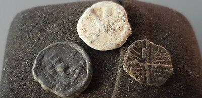 Superb design Trio of Medieval lead tokens found in England in the 1970s L38q