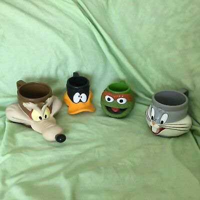 Looney Tunes Bugs Bunny, Daffy Duck, Wile E. Coyote And Oscar The Grouch Cups