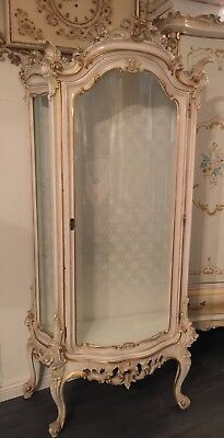 Gorgeous Vintage Italian Curio Cabinet Silik Rococo French Provincial style