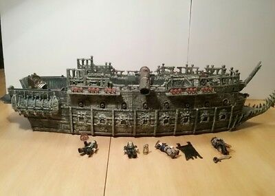Mega Bloks Pirates of the Caribbean The Flying Dutchman Pirate Ship