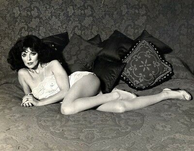 "JOAN COLLINS - 10"" x 8"" b/w Photograph from the late 1970's  #7633"