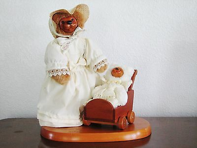 """Raikes Bears """"MOTHER'S DAY 1990 NIB - Wood Face Mother 10"""" w/ Baby in Buggy"""