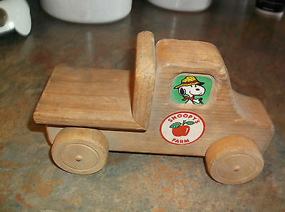 VintAGE 1958 AVIVA TOY CO. WOODEN TOY Snoopy FARM FLAT BED TRUCK 90% STICKERS