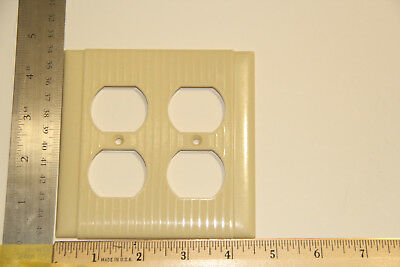 vintage dual duplex outlet plate bakelite Ivory sierra  UL made in USA ribs s&l