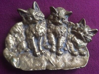Antique heavy Brass  marked 1640  3 Cats Soap Dish, foeted  vintage cats lovers