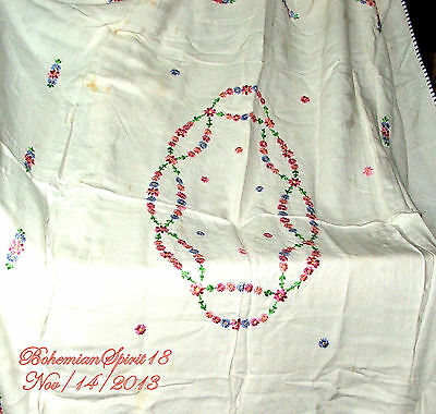 ANTIQUE 30's VINTAGE FRENCH LINEN FLOWERS HAND EMBROIDERY RECTANGLE TABLE CLOTH