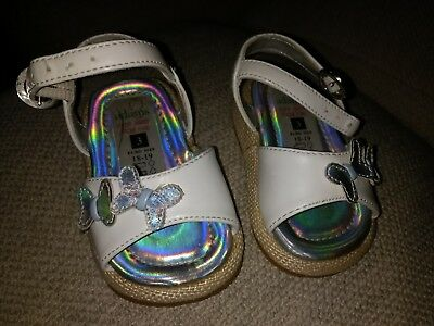 BNNT Baby girls Adams White Sandals with Shimmery Butterfly Size UK 3 Infant
