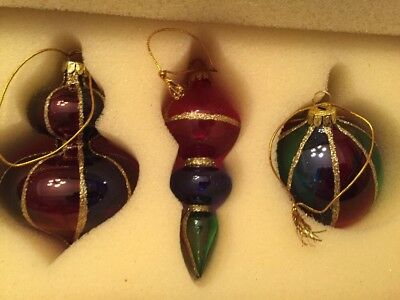 Avon Holiday Treasures 2001 Christmas Colored Glass Ornaments Set Of 3
