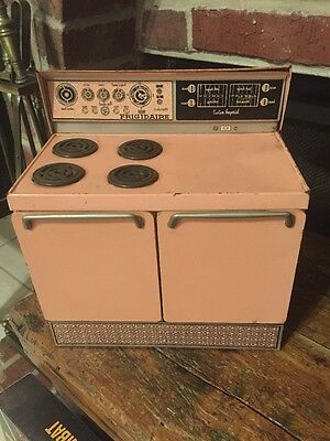 RARE VINTAGE RETRO PINK 1950s FRIGIDAIRE CUSTOM IMPERIAL STOVE TIN TOY WOLVERINE