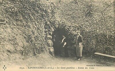 37 Savonnieres Les Caves Gouttieres Entree Des Caves Animee