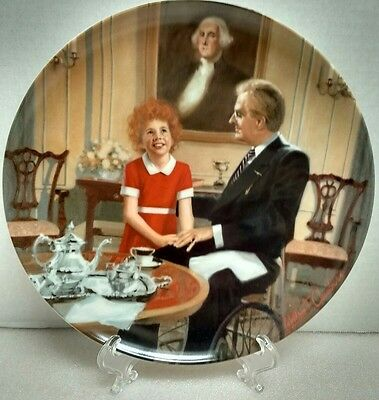 """Little Orphan Annie Collector Plate William Chambers """"Tomorrow"""""""