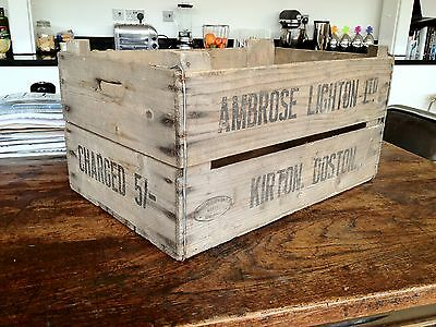 1950/1960s FARM CRATE BUSHELL BOX APPLE CRATE VINTAGE INDUSTRIAL