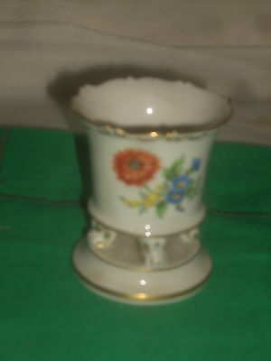 Meissen fine china  Flower Urn  hand painted 3 1/4'tall new in perfect conditon