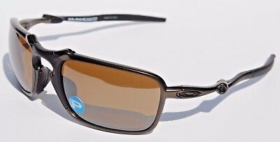 11b0aca1d14 OAKLEY Badman POLARIZED Sunglasses Pewter Tungsten Iridium NEW OO6020-02
