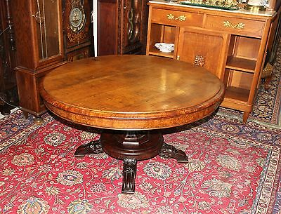 Beautiful English Antique Tiger Oak Tilt Top Round Table.
