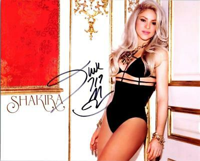Shakira signed 8x10 Picture Autographed Photo COA included