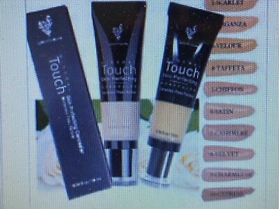 """Younique   Lightweight Water-resistant  Skin Perfecting Concealer   """"Taffeta"""""""
