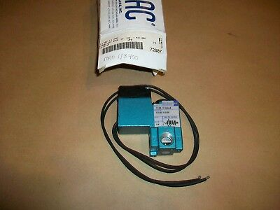 MAC Pneumatic Solenoid Valve 113B-111AA    NEW IN BOX