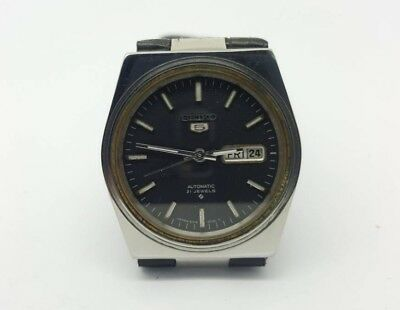 VINTAGE SEIKO 5 Automatic Day/Date GENTS WATCH, Japan made, used. (w-111)