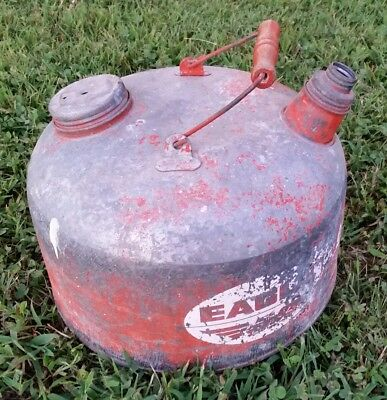 """Vintage EAGLE Gas Can """"THE GASSER"""" Galvanized 26 ga Steel M-2 1/2 gal - USA made"""