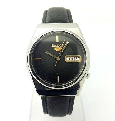 VINTAGE SEIKO 5 Automatic Day/Date GENTS WATCH, Japan made, used. (w-117)