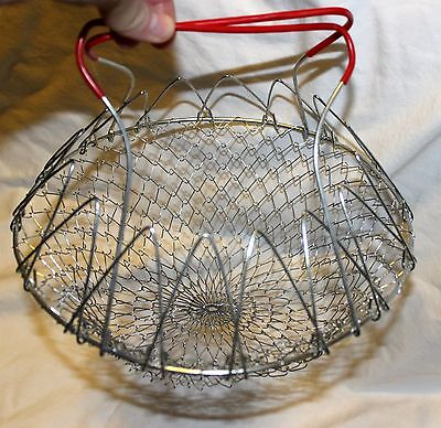 Vintage Metal Wire Collapsible Red Hand Held Egg Basket Carrier!