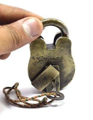 Indian Brass Padlock Iron key Nice Working Antique Beautiful Collectible. i42-29