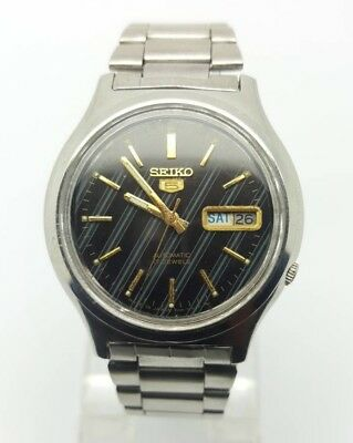 VINTAGE SEIKO 5 Automatic Day/Date GENTS WATCH, Japan made, used. (w-118)