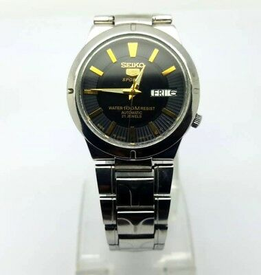 VINTAGE SEIKO 5 SPORTS Automatic Day/Date GENTS WATCH, Japan made, used. (w-121)