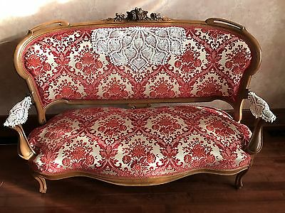 Beautiful Antique Ornately Carved Queen Anne/Victorian Settee