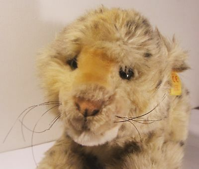 """Steiff  """"Molly"""" Baby Lion Sitting EAN 0371/22 Made in Germany Button & Tag"""