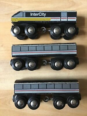 Brio 33421 Inter City Zug Made in Sweden Holzeisenbahn Lok Passagierwagen 3 tlg