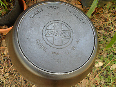 Griswold 7 Cast Iron Skillet, Slant Logo with Heat Ring 701 Vintage Cookware