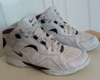 ⭐⭐Vintage Retro Style⭐⭐ Nike Air Basketball Trainers (UK 7) White Leather