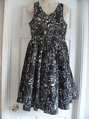 Vintage Retro Style Rockabilly Floral Black & White Dress - Size 12 / 14 -  New