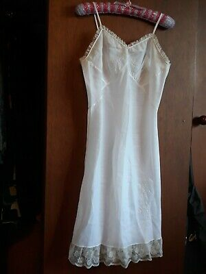 MINT hand Tailored Vintage full slip - detailed lace & embroidery - SZ S 8 10