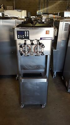 2012 Stoelting F231 Soft Serve Frozen Yogurt Ice Cream Machine Warranty 1ph H2O