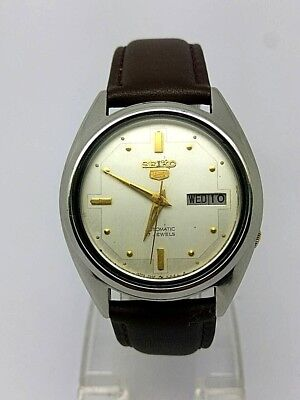 VINTAGE SEIKO 5 Automatic Day/Date GENTS WATCH, Japan made, used. (w-130)