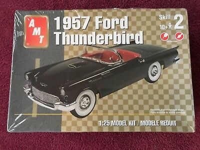 AMT 38249 * 1:25 Scale, 1957 Ford Thunderbird Model kit convertible new in box
