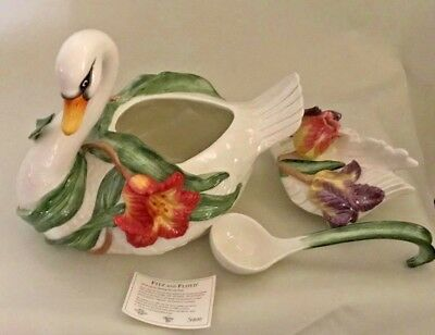 LARGE FITZ AND FLOYD TULIP SWAN SOUP TUREEN W/LADLE 2004 Retired