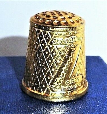 """Authentic Hummel """"In Mothers Shoes"""" 1987 Gold Plated Thimble"""
