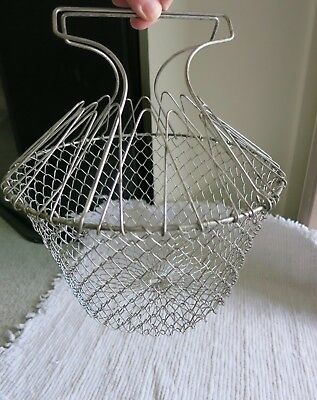 Vtg Wire Mesh Egg Basket Metal Handle~Collapsible~Farmhouse Find~GREAT!