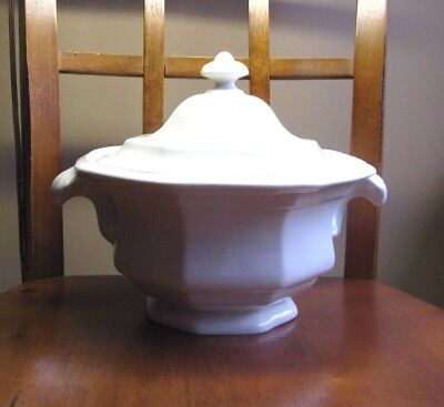 Iroquois China Henry Ford Museum Greenfield Village WHITE Covered Vegetable Bowl