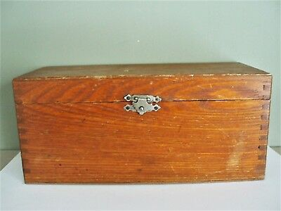 Vintage Light Oak Wood Box with Finger Joints Hinged Lid and Metal Latch